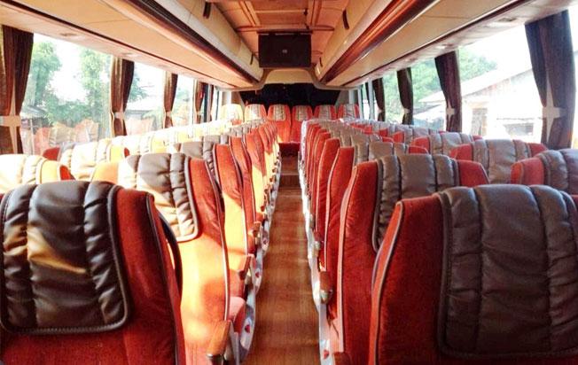 interior bus pariwisata andromeda