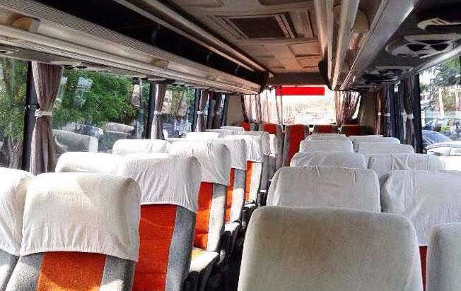 interior sewa bus pariwisata panorama jakarta medium