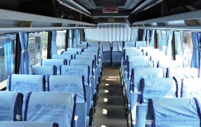 sewa bus pariwisata blue star interior dan formasi kursi dua dua
