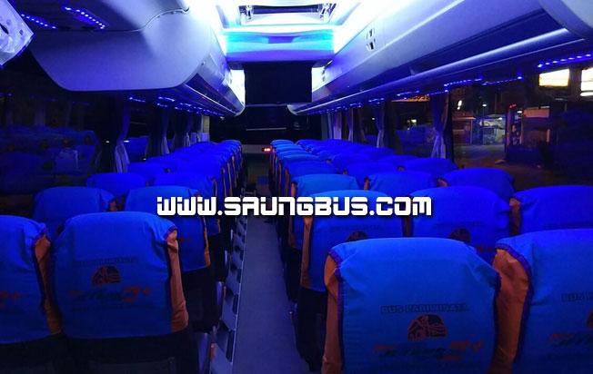 interior bus pariwisata putra KJU tampak belakang gambar saungbus.com jakarta