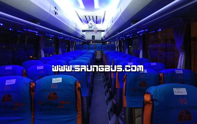 interior bus pariwisata putra KJU tampak depan gambar saungbus.com jakarta